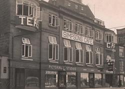quayside-restaurant-building-as-simpsons-cafe