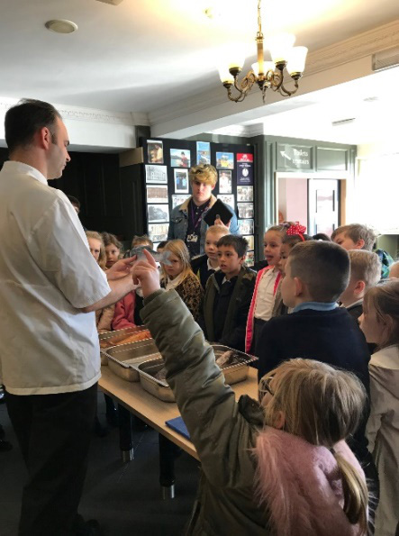 teaching children in restaurant